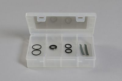 Set of sealings